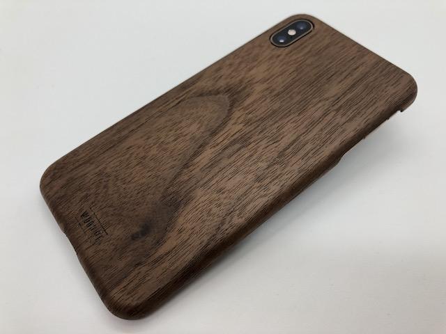 WOODWEクルミのiPhoneケース