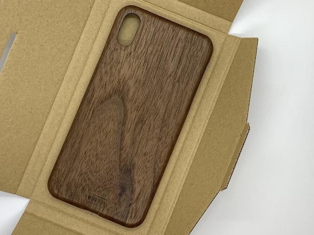 クルミの木のiPhoneケース