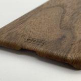 【WOODWE】天然の木や石などを使ったユニークなiPhoneケースをレビュー【クルミ材ハードウッドケース】