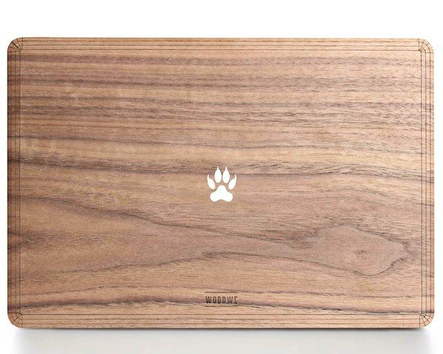MacBookカバー足跡デザイン